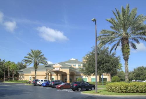 Hawthorn Suites by Wyndham Lake Buena Vista, a staySky Hotel & Resort photo 17