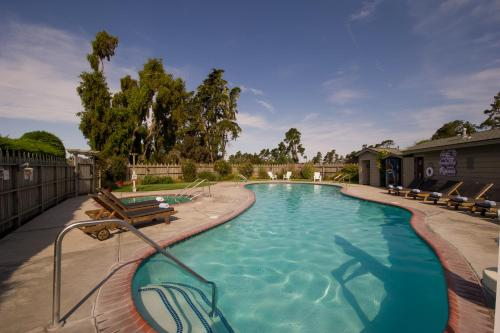 Cambria Pines Lodge Photo