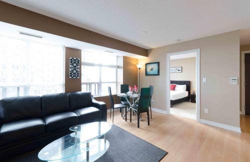 Royal Stays Furnished Apartments - North York Photo