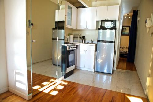 One Bedroom Apartment Upper East Side In New York City Ny Free Internet Non Smoking Rooms