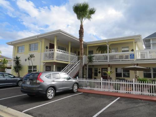 Silver Sands Motel Photo