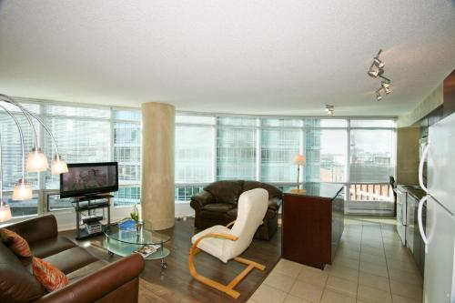 CN Tower Apartments Photo