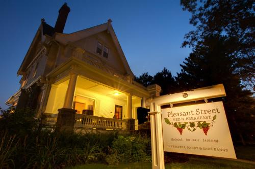 Photo of Pleasant Street Bed and Breakfast