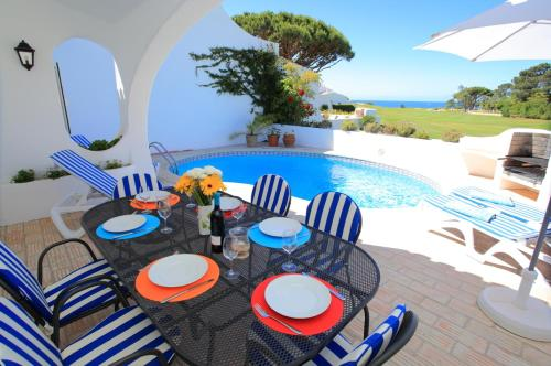 holidays algarve vacations Vale do Lobo Villa in Vale Do Lobo III