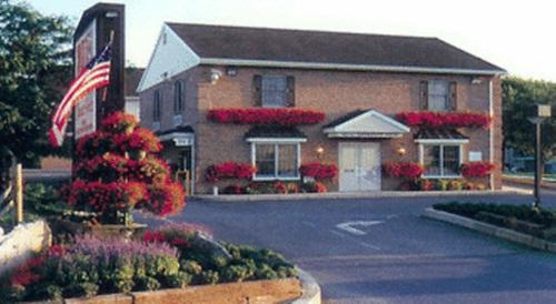 Classic Inn Lancaster Photo
