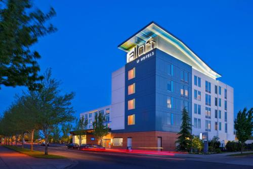 Aloft Portland Airport Hotel at Cascade Station Photo