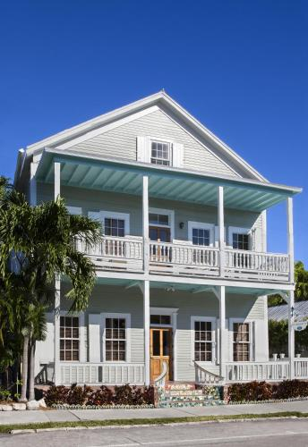 Photo of Southernmost Inn hotel in Key West