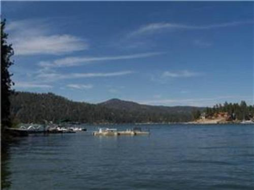 Lakeside Vintage - Big Bear Lake, CA 92315