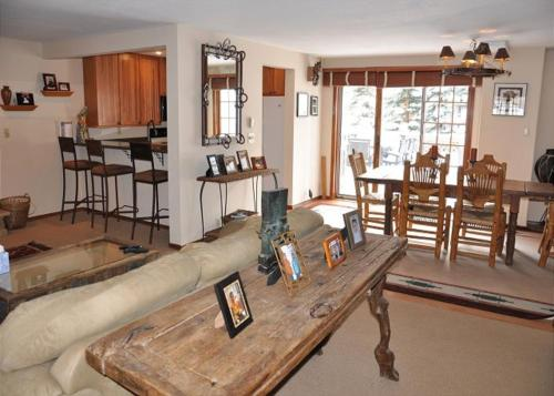 East Vail Family Vacation Home - Vail, CO 81657