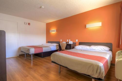 Motel 6 Las Vegas - I-15 photo 3