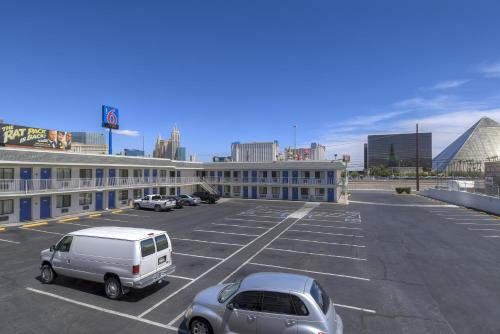 Motel 6 Las Vegas - I-15 photo 6