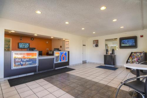 Motel 6 Las Vegas - I-15 photo 17