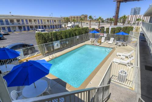 Motel 6 Las Vegas - I-15 photo 22