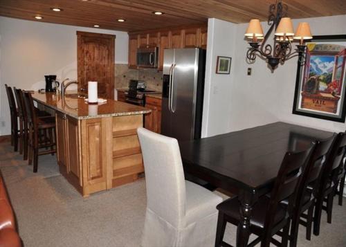 Courtside #29 Townhome - Vail, CO 81657