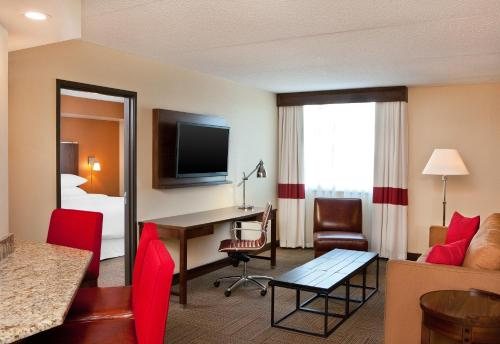 Four Points By Sheraton Saginaw - Saginaw, MI 48604