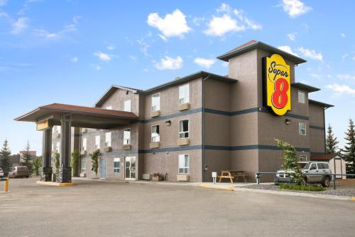 Super 8 Whitecourt Photo