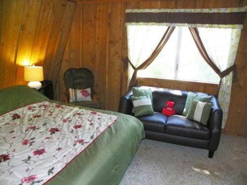 Bear Necessity Cabin - Big Bear Lake, CA 92315