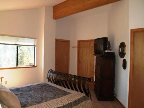 Redawning Piccolo - Truckee, CA 96161