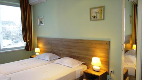 Guest Rooms Kom