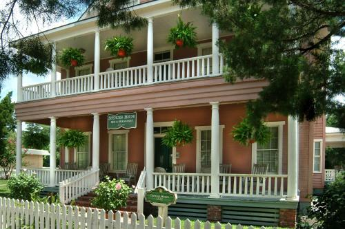 Spencer House Inn Photo