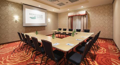 Homewood Suites by Hilton Winnipeg Airport - Polo Park Photo