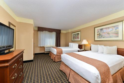 Quality Suites Orlando Kissimmee The Royale Parc Suites photo 10