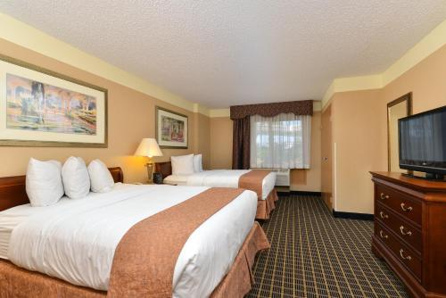 Quality Suites Orlando Kissimmee The Royale Parc Suites photo 17