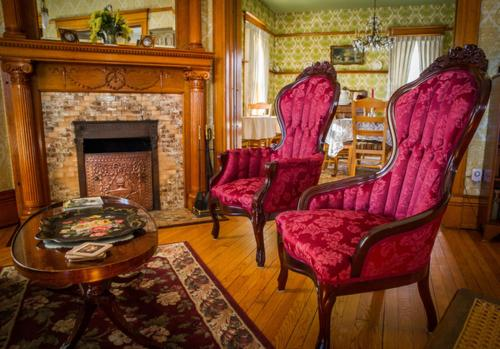Victorian Dreams Bed and Breakfast Photo