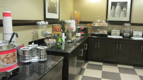 Hampton Inn Topeka Photo