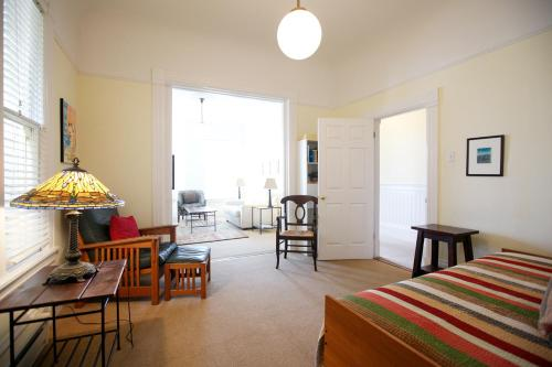 Parkview 3-Bedroom Apartment - San Francisco, CA 94117