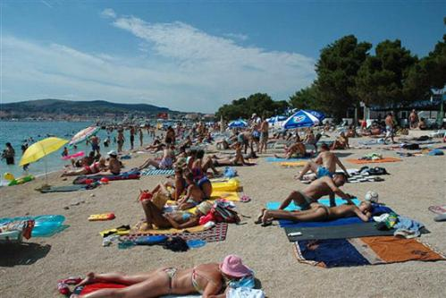 http://www.booking.com/hotel/hr/apartment-in-vodice-srima-i.html?aid=1728672