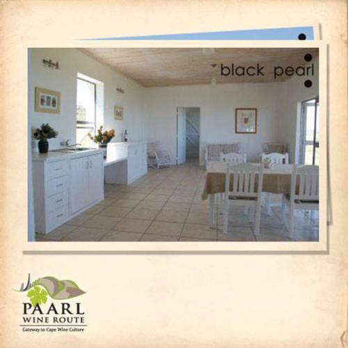 Black Pearl Cottage Photo