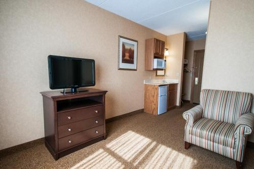 Country Inn & Suites By Carlson Cuyahoga Falls Photo