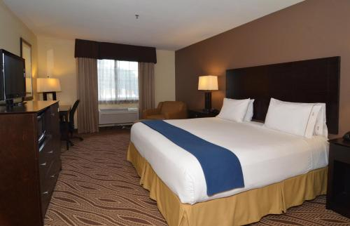 Holiday Inn Express Hotel & Suites San Antonio-Airport North Photo