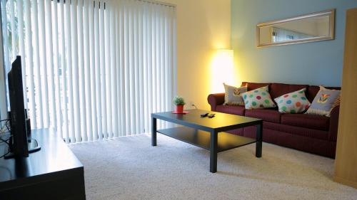 Two Bedroom Vacation Apt #DTRS #2I - Los Angeles, CA 90017