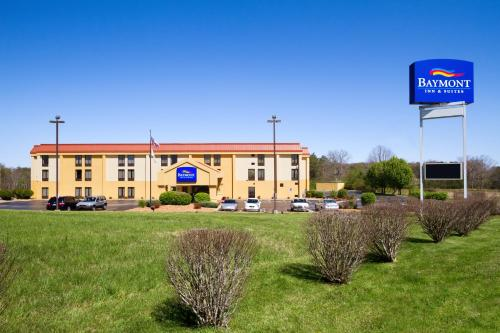 Photo of Baymont Inn & Suites Crossville hotel in Crossville