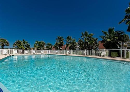 Island Retreat Condo by TurnKey Vacation Rentals Photo