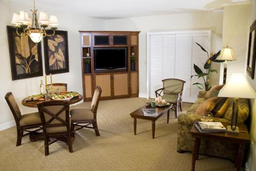 Suites at Tahiti Village Resort and Spa Photo