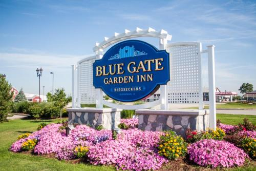 Blue Gate Garden Inn Photo