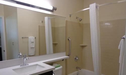 Candlewood Suites San Angelo Photo