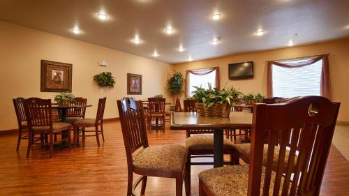 Best Western Sherwood Inn and Suites - North Little Rock Photo