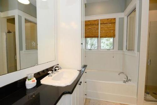 WaterColor Four Bedroom Cottage - Camp District Photo