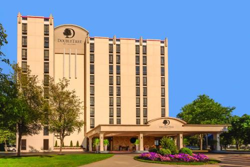 DoubleTree by Hilton Philadelphia Airport Photo