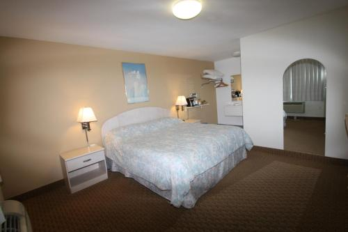 Redwood Inn - Santa Rosa, CA 95404