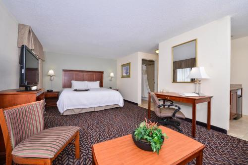 Hampton Inn & Suites Dayton-Vandalia Photo