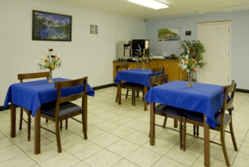 Americas Best Value Inn Muskogee Photo