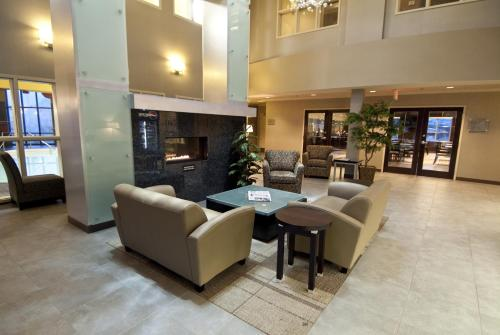 Best Western PLUS Wine Country Hotel & Suites Photo