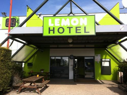 Lemon Hotel Dreux Chartres