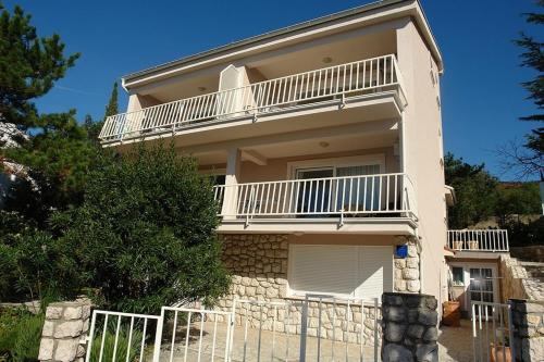 Apartment Selce 11