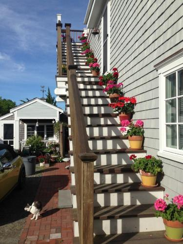 Revere Guest House Photo